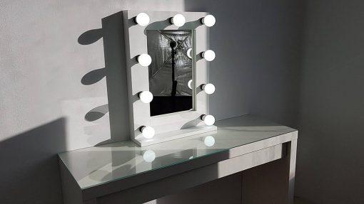 Kleiner Theaterspiegel von artistmirror für das Gesicht