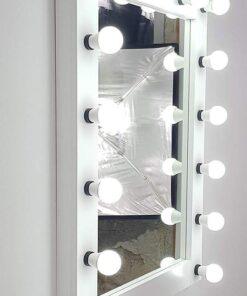 Theaterspiegel von artistmirror 100cm hoch mit 17 Lampen in Weiß