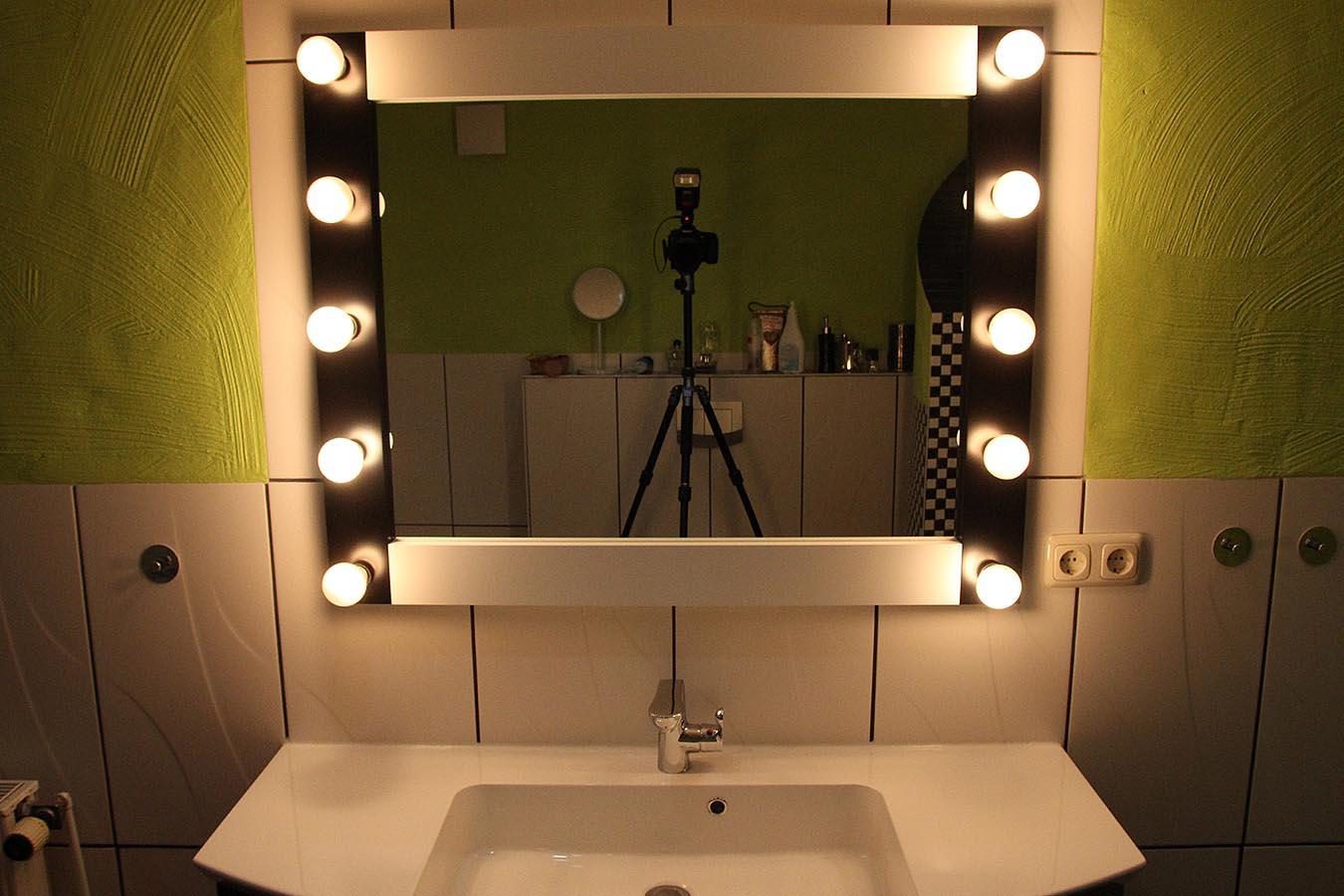 Bathroom Mirror with Light./ Badezimmer Dekoration und Badezimmerausstattung M1ZP-06-40x40 Unterschiedliche Lichtanordnung Wandspiegel Gro/ß und Klein ARTTOR Spiegel mit Licht