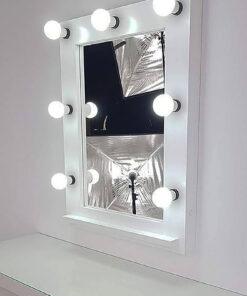 białe lustro teatralne autorstwa artistmirror z lampami 7.