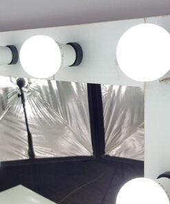 Theaterspiegel von artistmirror in Shabby Chic Weiss, querformat, aus Kiefernholz.