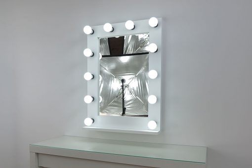 Theaterspiegel von artistmirror, 80x60cm, weiss, 12 Lampen, modern und klassisch schön, edel und schlicht.