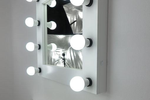 Schminkspiegel- Deluxe in Weiss, 60 x x60 cm, zum Stellen und Hängen, von artistmirror.