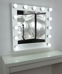 Theatermirror av artistmirror, veldig stor, firkantet, stående og hengende, i hvitt, med 13 lamper